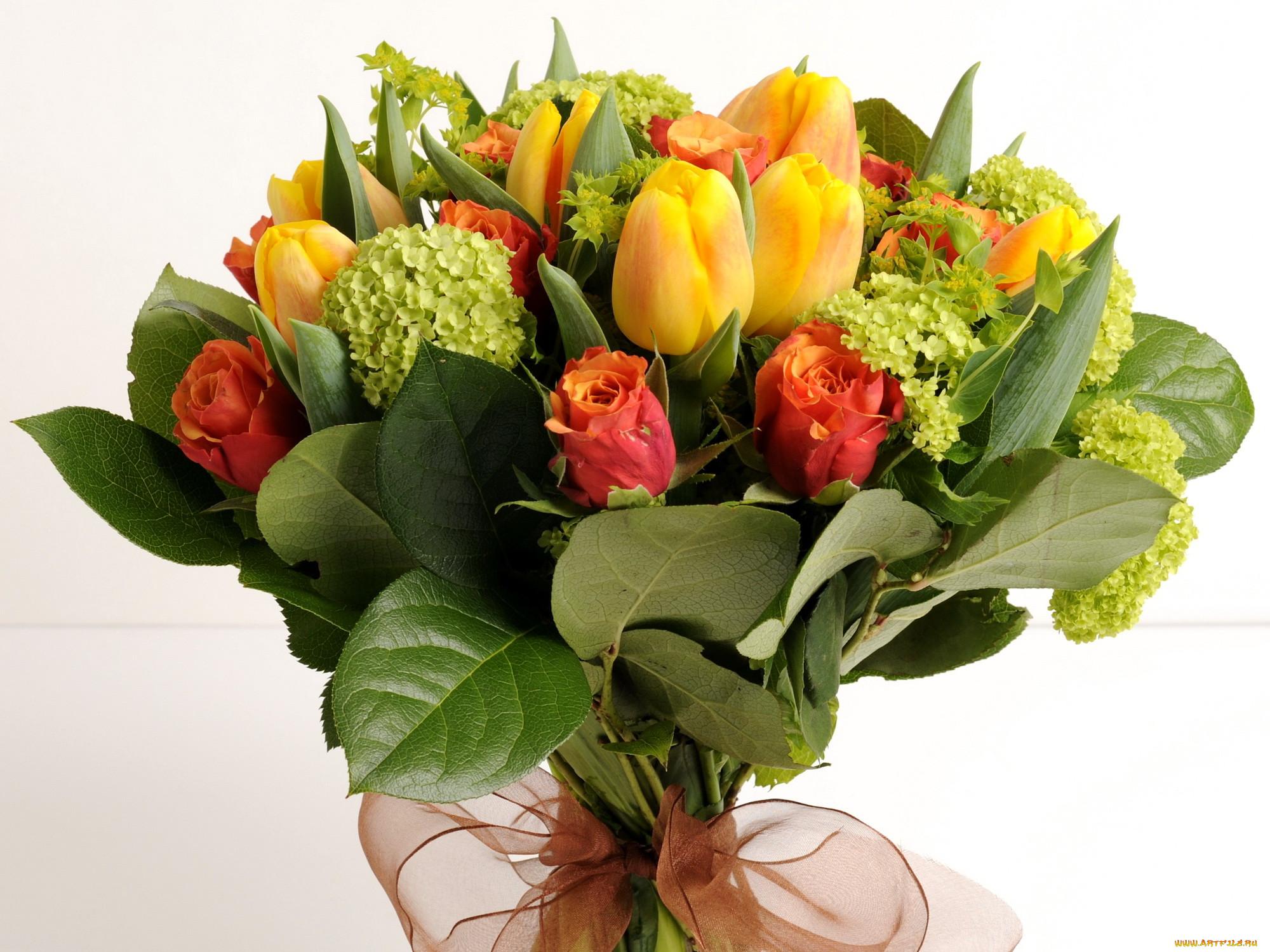 цветы картинки букеты роз и тюльпанов напоминает